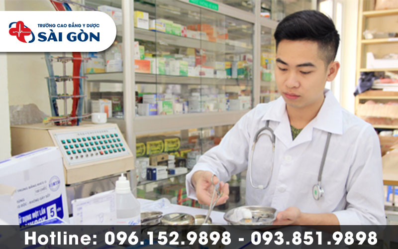 Dược sĩ đóng vai trò quan trọng trong hệ thống ngành Y tế Việt Nam
