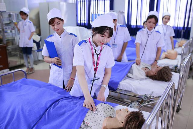 Kết quả hình ảnh cho thông báo tuyển sinh trung cấp điều dưỡng