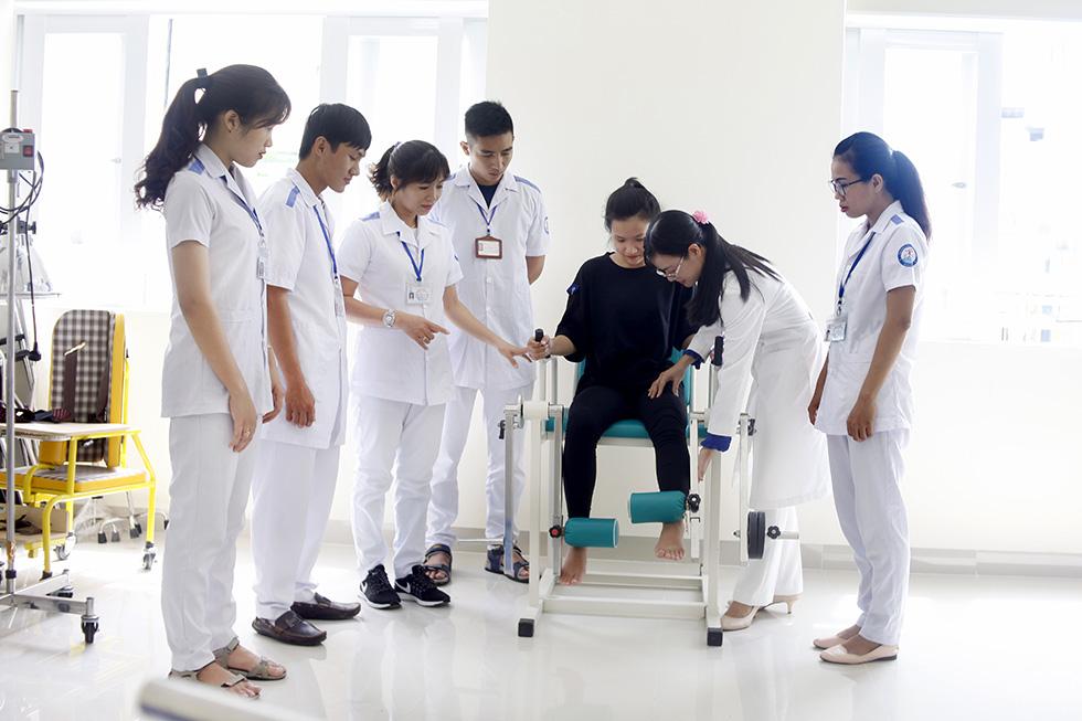 Hồ sơ xét tuyển Cao đẳng Vật lý trị liệu TPHCM năm 2018