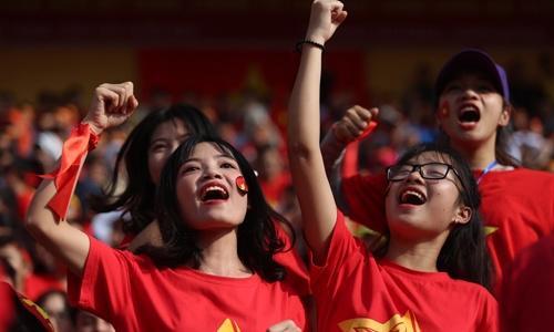 Những cách làm giảm rát họng khi cổ vũ cho U23 Việt Nam