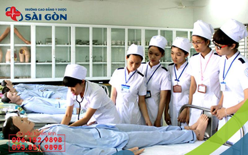 Đào tạo Cao đẳng Điều dưỡng TPHCM chuyên sâu về thực hành