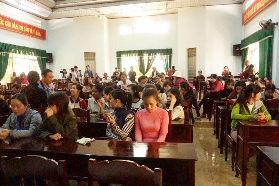 Hơn 500 giáo viên kêu cứu tại Đắk Lắk: Sự thật việc chạy hàng trăm triệu để được đứng trên bục giảng?