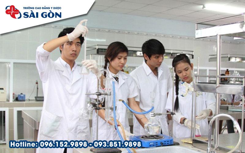 Năm 2018, học Cao đẳng Dược tại Hồ Chí Minh hệ chính quy ở đâu?