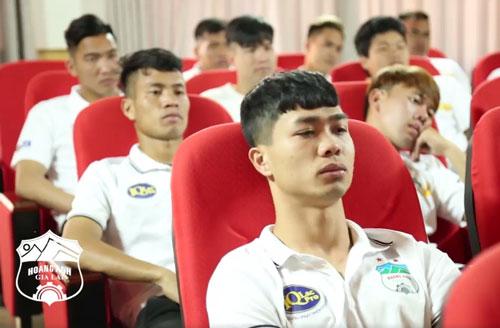 Sau V.League: Xuân Trường, Công Phượng đã vội cắp sách đi học