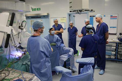 Thu nhập 9 tỷ/năm hàng trăm bác sỹ cảm thấy bị xúc phạm khi được tăng lương