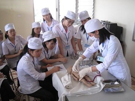 Học ngành Y Dược cần chú trọng vào kỹ năng thực hành