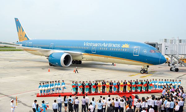 Muốn theo ngành tiếp viên hàng không tại Việt Nam thì cần học ở đâu?