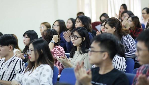 TIN TỨC: Cập nhật mức điểm chuẩn Đại học 2018 khối Kinh tế, Tài chính Ngân hàng 2