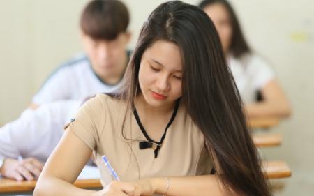 Cách để làm bài thi môn văn không bị bí từ khi viết mở bài