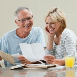 Đâu là bí quyết giúp người lớn tuổi khỏe mạnh hơn?