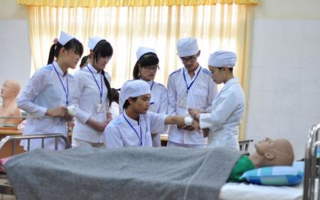 Thông báo tuyển sinh Cao đẳng Điều dưỡng Hồ Chí Minh năm 2018