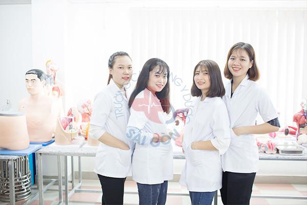 chat-luong-dao-tao-nganh-cao-dang-duoc-tphcm-dat-chuan-chat-luong-cua-bo