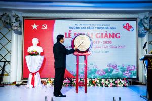 truong-cao-dang-y-duoc-sai-gon-tung-bung-khai-giang-nam-hoc-moi-2019-2020-chao-mung-ngay-le-2011