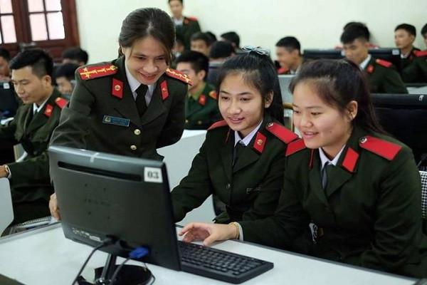 tuyen-sinh-dai-hoc-nam-2020-5-truong-khoi-cong-an-cong-bo-diem-san-cao-khong